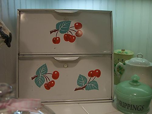 Cherry bread box 002