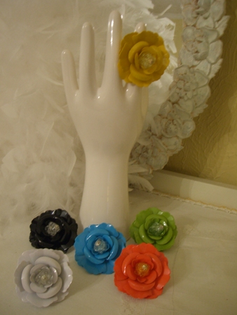 Flower rings in fun colors...
