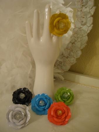 Flower rings in fun colors...