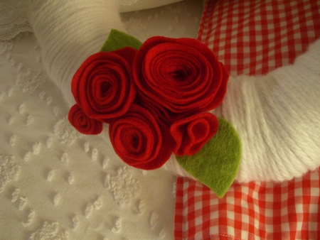 Little felt flowers...