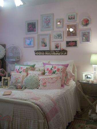 Pink guest bedroom...