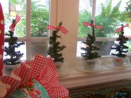 Little Christmas trees...