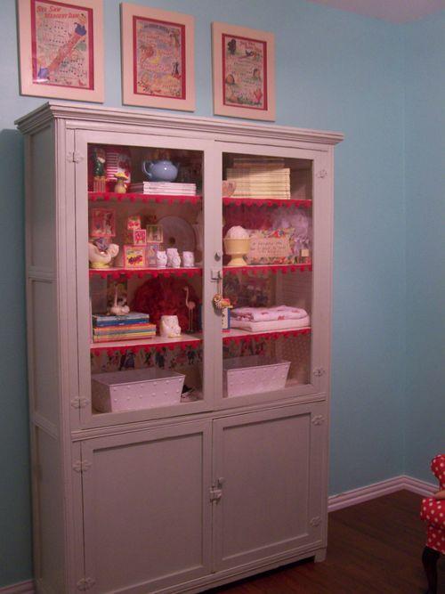 Vintage cabinet...