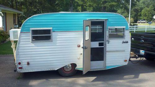 Vintage trailer~ Pearl