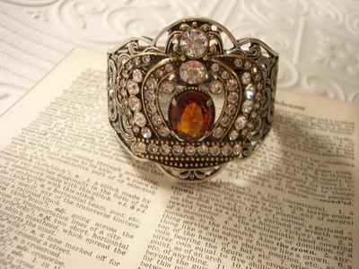 Crown_bracelet_2