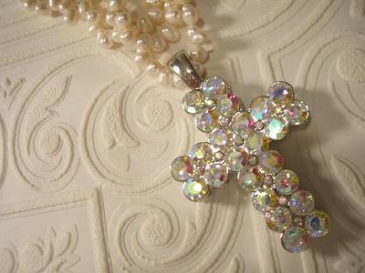 Rhinestone_cross_3