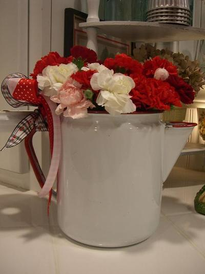 Little_red_and_white_coffee_pot