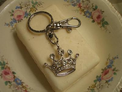 A_crown_key_ring