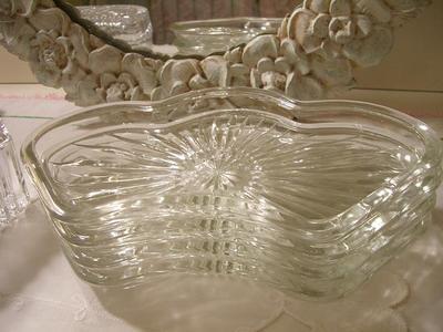 Pretty_glass_trays
