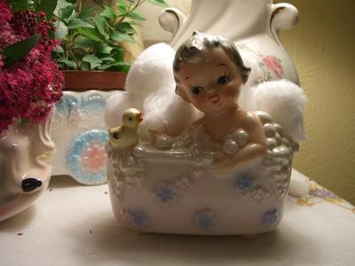 Baby_in_tub