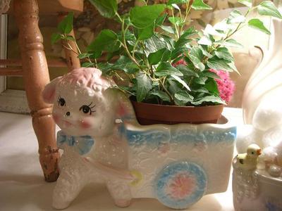 Baby_lamb_planter
